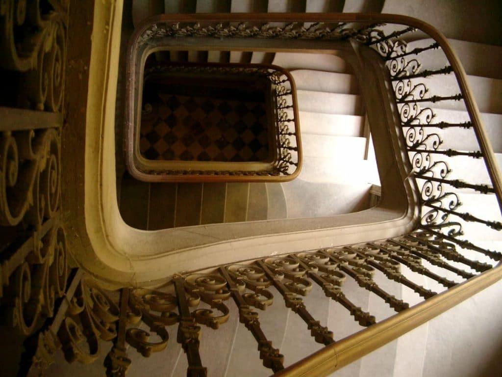 escalier d'honneur, Collectif du Château de Verchaüs, Viviers, Ardèche, résidence, atelier